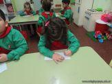 Salas de 4 escriben sus nombres 24