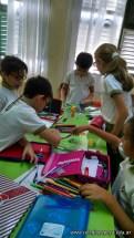 Clasificando útiles escolares 24