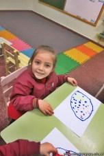 Dibujamos con plasticolas de colores 14