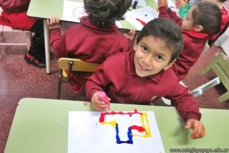 Dibujamos con plasticolas de colores 7
