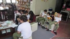 Tercero visita la biblioteca 103