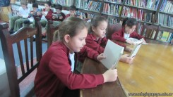 Tercero visita la biblioteca 21