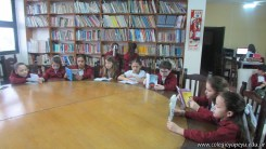 Tercero visita la biblioteca 24