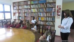 Tercero visita la biblioteca 3