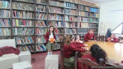 Tercero visita la biblioteca 34