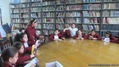 Tercero visita la biblioteca 37