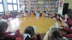 Tercero visita la biblioteca 40