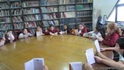Tercero visita la biblioteca 41