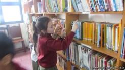 Tercero visita la biblioteca 51