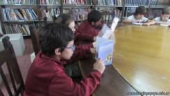 Tercero visita la biblioteca 55