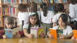 Tercero visita la biblioteca 58