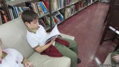 Tercero visita la biblioteca 90