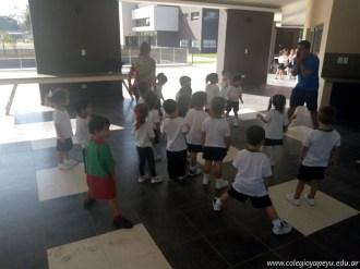 Clases de educación física de sala de 3 años 9