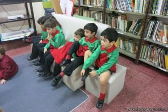 Visita de sala de 4 a la biblioteca 1