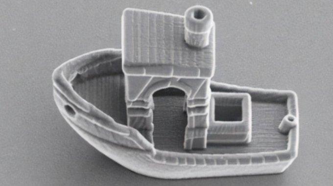 Este Barquinho Impresso Em 3D é Menor Do Que Um Fio De Cabelo, Mas Representa Muito Mais Que Isso