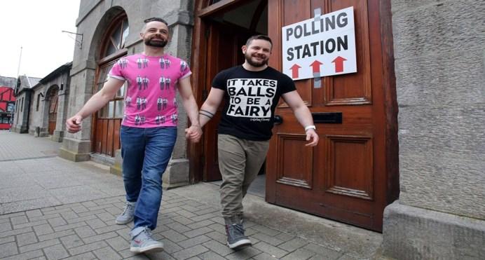 pareja gay irlanda