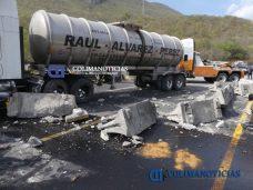 Chocan tráileres en la autopista Colima–Manzanillo3