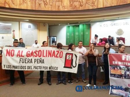 Toman congreso en protesta por el gasolinazo