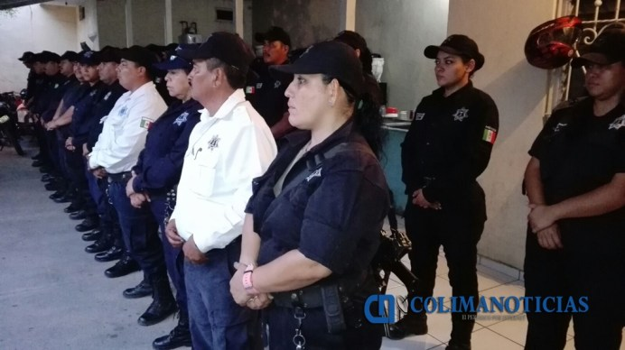 Orlando Lino entrega uniformesa policías municipales