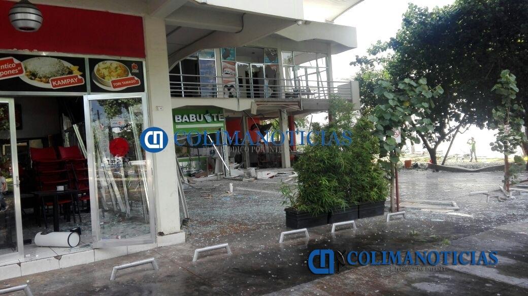 Explosión dentro de centro comercial en Colima deja daños en locales
