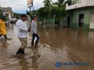 Gabriela Benavides recorre colonias afectadas por las lluvias7