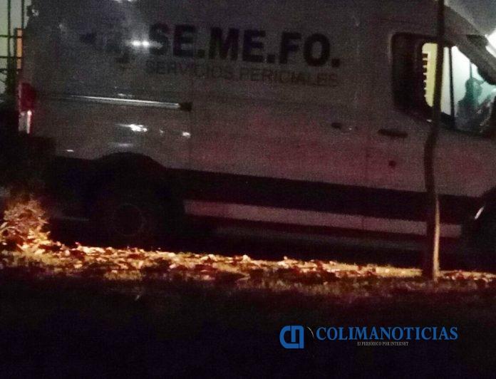 Semefo Manzanillo 696x532 - Asesinan a un hombre en el crucero de Minatitlán