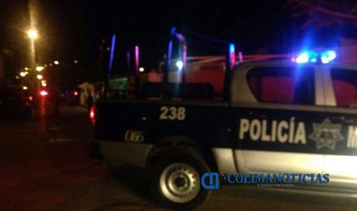 policia manzanillo 696x412 - Otra ejecución en Manzanillo, ahora en Camotlán