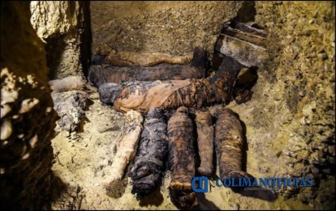 Arqueólogos descubren más de 40 momias en una tumba en Egipto
