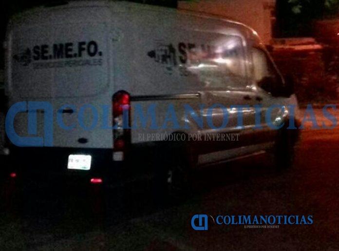 semefo manzanillo noche 696x515 - Balacera en colonia Lindavista de la Villa, deja tres muertos y un herido