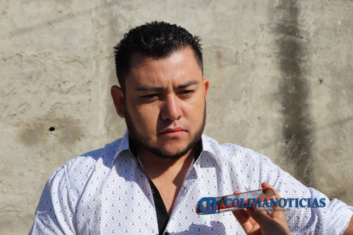 alcalde de armeria salvador buenos 696x464 - Sancionan a alcalde de Armería, Salvador Bueno, por agresión a esposa