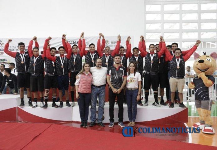 JIPS Olimpiada Nacional Handball 3 696x481 - Preside JIPS premiación de Handball de la Olimpiada Nacional y Nacional Juvenil 2019