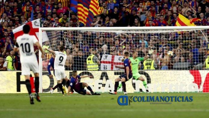 Valencia vs Barcelona 696x394 - Valencia levanta la Copa del Rey