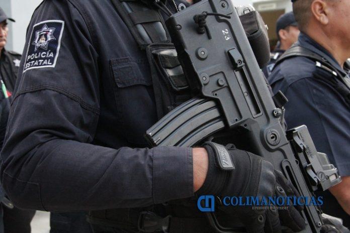 Captura SSP a fugitivo peligroso en Manzanillo 696x464 - Policía Estatal detiene a joven de 18 años con 100 envoltorios de droga