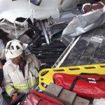 tráiler accidente 150x150 - Dos lesionados graves, 4 camiones y un auto particular devastados: saldo del accidente ocurrido en Tapeixtles