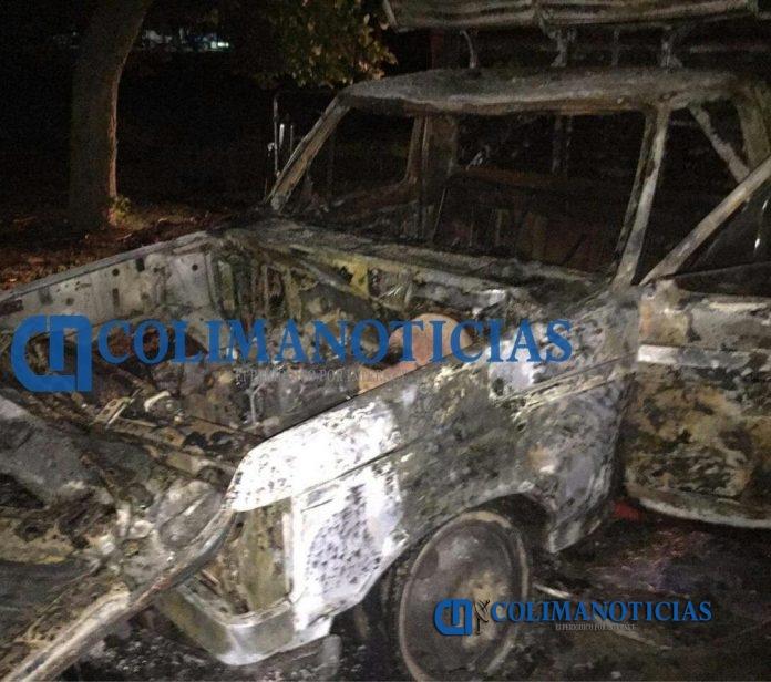 Arde camioneta durante la madrugada en El Colomo 696x616 - Arde camioneta durante la madrugada en El Colomo