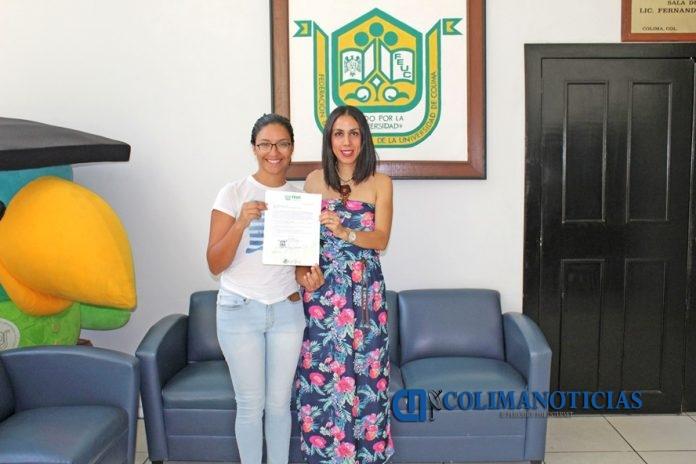 Entrega FEUC becas para diplomados 696x464 - Otorga FEUC becas para diplomados en lenguas extranjeras