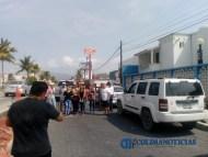 Se manifiestan vecinos y detienen obra en el boulevard costero de Manzanillo(1)