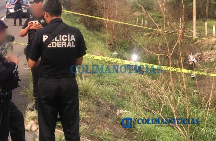 muerto de Armería en moto 696x453 - Ahora reportan un motociclista ejecutado en el crucero de Santa Rosa en Tecomán