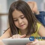 niña usando tablet