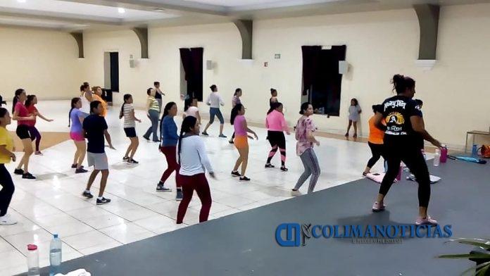 CLASES DE ZUMBA EN IXTLAHUACÁN 696x392 - Comuna ixtlahuaquense organiza campamento deportivo