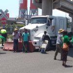 Campesinos bloquean entrada a la zona norte del puerto 150x150 - Campesinos bloquean entrada a la zona norte del puerto