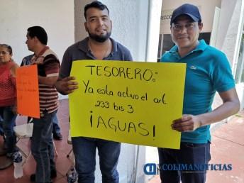 Se manifiestan sindicalizados de Tecomán 4