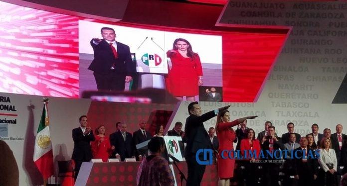 alejandro moreno y carolina viggiano 696x374 - Alejandro Moreno rinde protesta como nuevo dirigente del PRI
