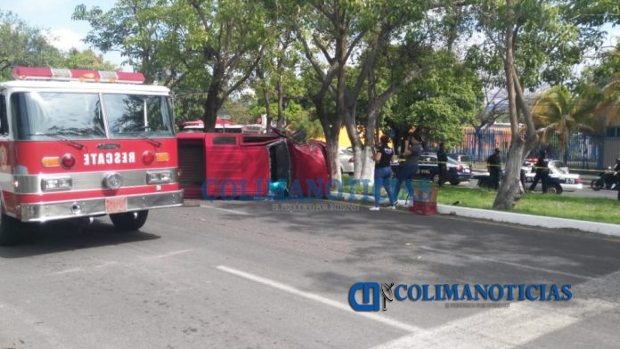 choque camioneta fallece mujer 696x392 - Reportan mortal accidente frente a los terrenos de la feria en La Estancia