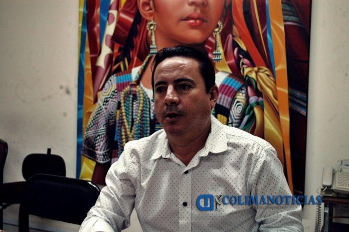 miguel sanchez 696x463 - Vladimir ensució la elección de la CDHE y ofreció dinero a diputado: Sánchez
