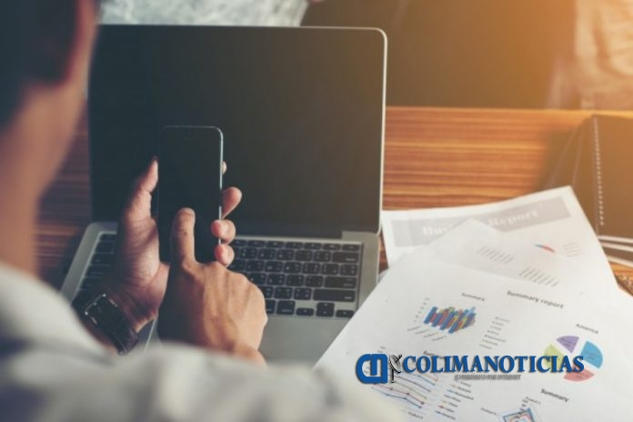 negocios celular 696x464 - Conoce las apps que no pueden faltar en tu smartphone en 2020 - #Noticias