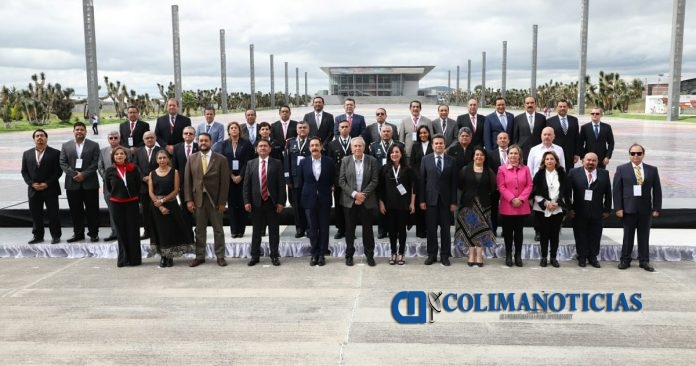 Colima asume fortalecer servicio social medicina 1 696x366 - Colima asume fortalecer capacitación y formación en servicio social de medicina