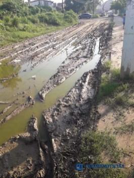 Intransitables calles de La Negrita, tras paso de 'Lorena' (2)