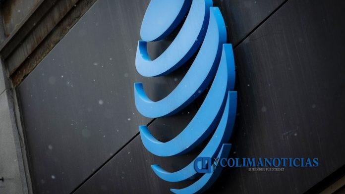 ATT 696x392 - Mala administración podría 'desconectar' a AT&T en México
