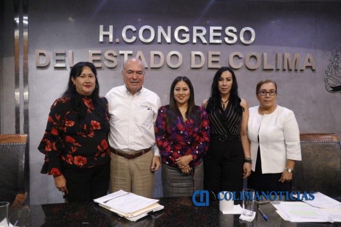 Comparecencia Arnoldo Ochoa González 696x464 - Es prioridad fortalecer la confianza ciudadana en las instituciones: AOG